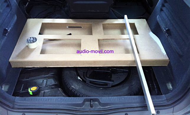 Drawer for amplifiers in the trunk