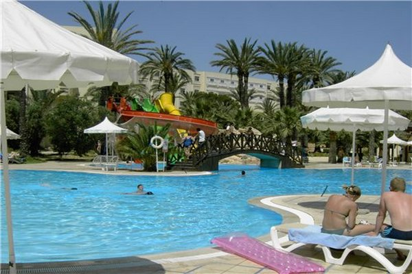 Отель Marhaba Club бассейн