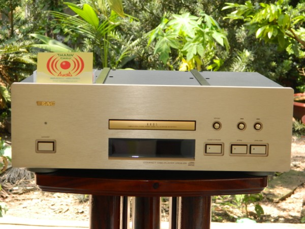 Pioneer 1250, Sansui 9090DB, 8080DB, JBL C53 , Altec 15, AR98, Pioneer 801A