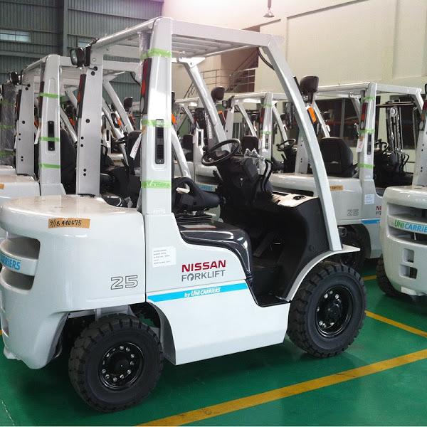 Xe nâng Nissan forklift 2.5 - 3.5 tấn