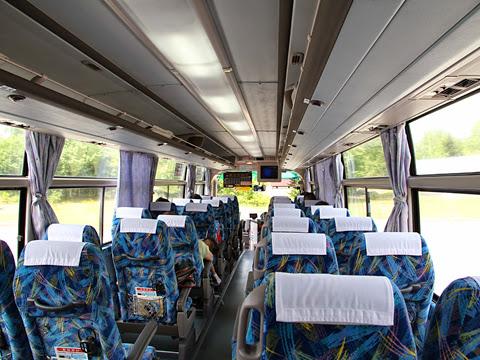 北海道中央バス「高速なよろ号」 1952 車内