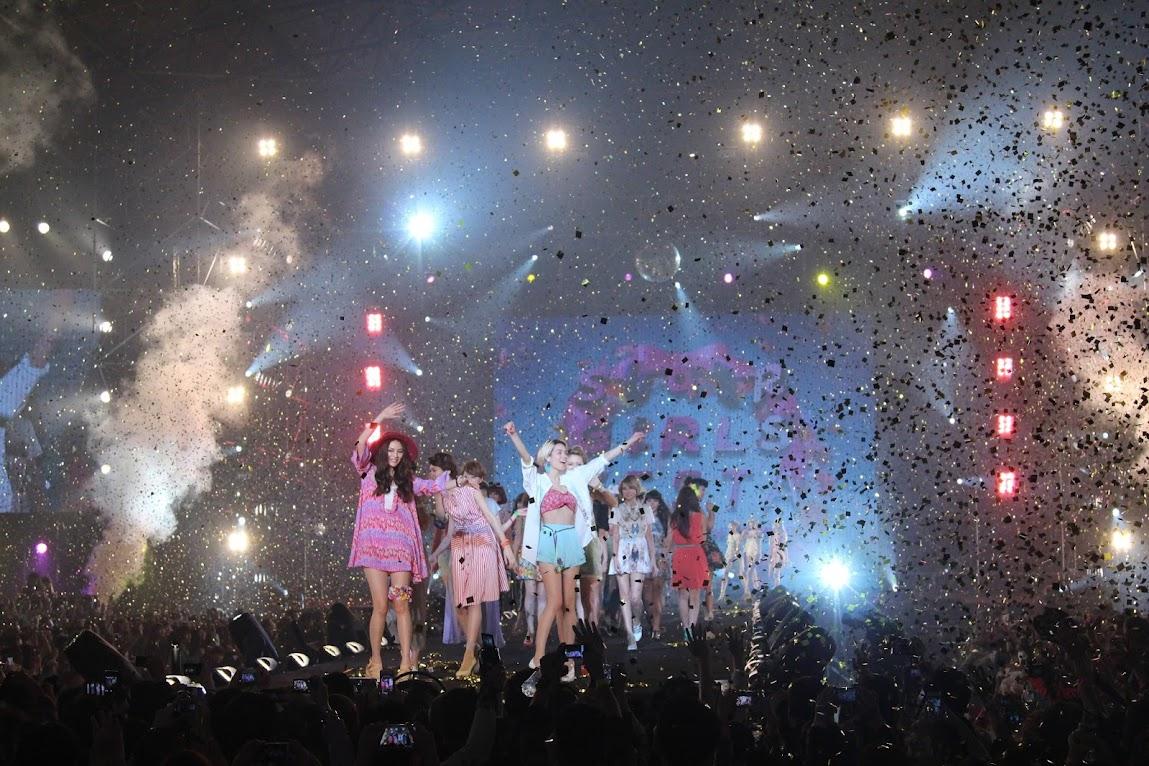 *2013 SUPER GIRLS FESTA 最強美少女盛典:田中美保、藤井莉娜、佐佐木希性感走秀! 2
