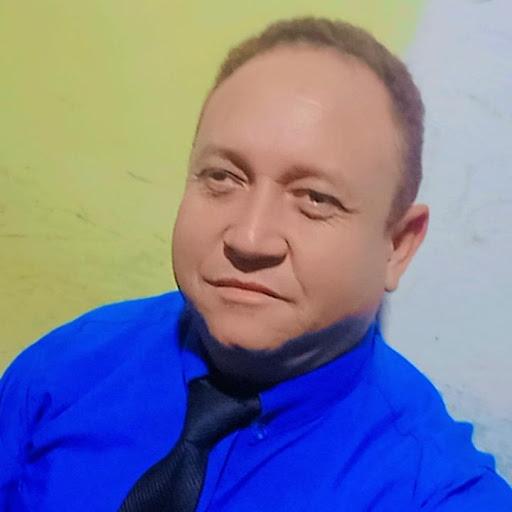 Adelson Santos Photo 8