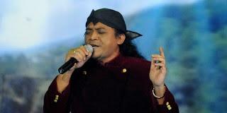 Didi Kempot [image by www.lagugalau.net]