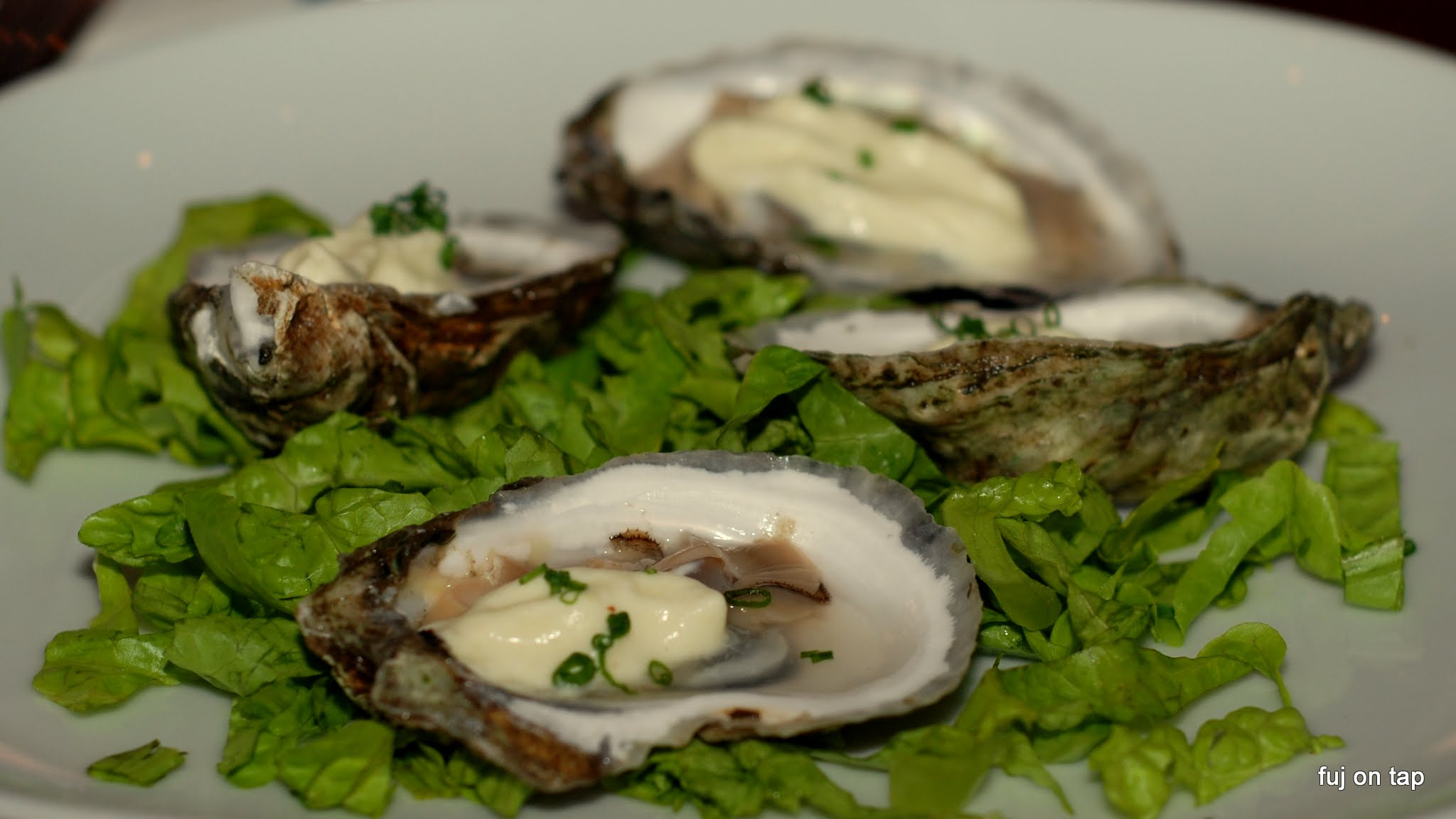 Woodbury Wellfleet Oyster, Corn Foam, Crème Fraîche, Chive