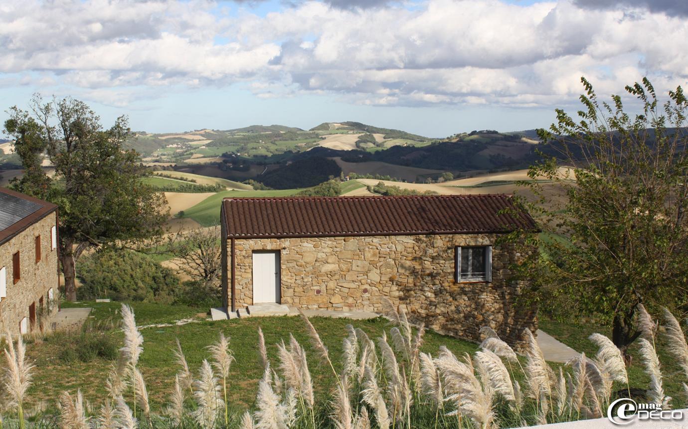 La maison d'hôtes 'Malatesta' près de Pergola en Italie dans son site : les collines des Marches
