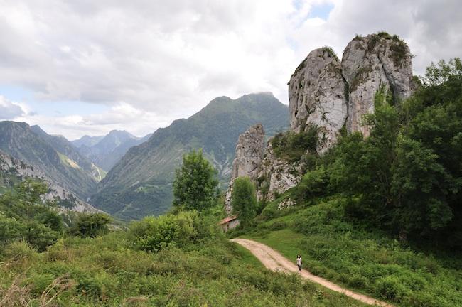 Camino de alta montaña en Picos de Europa