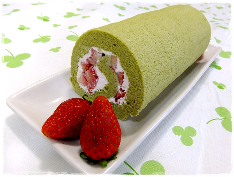 Matcha Roll | Green Tea Swiss Roll | Easy Delicious Recipes