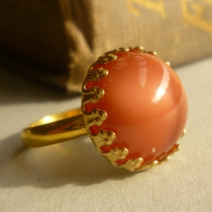 Rosy glass vintage ring