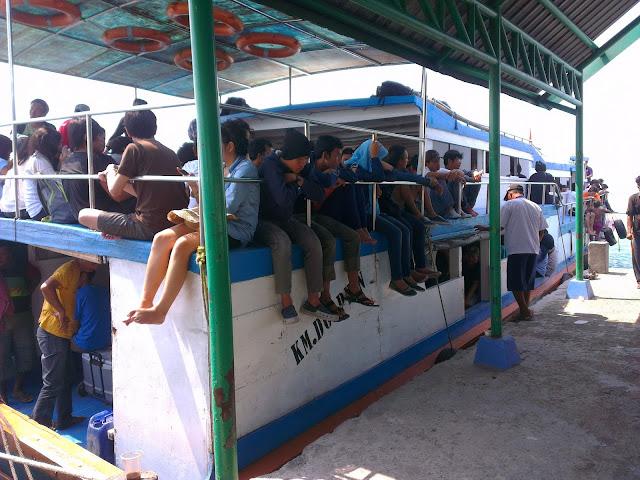 Kapal Muara Angke - Pulau Harapan