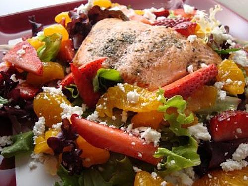 Salmon & Fruit Spring Mix Salad
