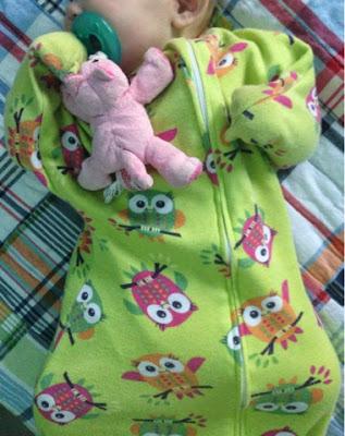 how to sleep train a baby with a zipadee-zip and no swaddle