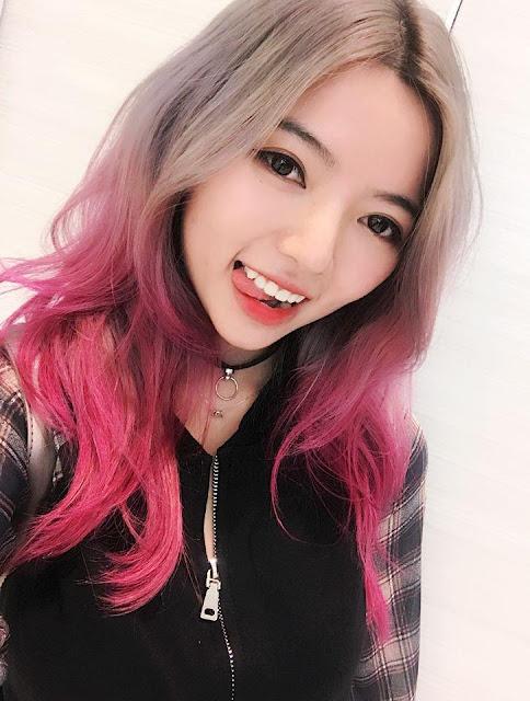 Cô nàng streamer xinh đẹp sở hữu tới 1,5 triệu người theo dõi trên YouTube.
