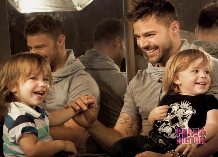 """[Dia dos Pais] Ricky Martin: """"Meu namorado é sexy, inteligente e o mais importante: ama meus filhos"""""""