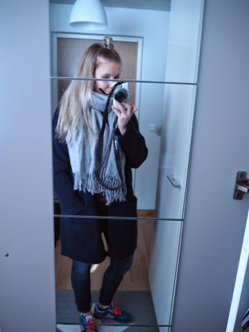 kånken, bag, primark, coat, blue, jeans, dr denim, shoes, new balance, cubus, scarf, huivi, outfit, clothes, of the day, girl, finnish,, longhair,