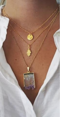 bijoux avec chemise
