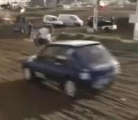 patada a coche