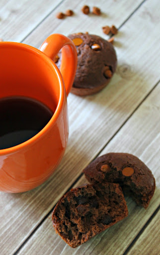 Morning Coffee Moment with Chocolate Caramel Muffins #IDelight