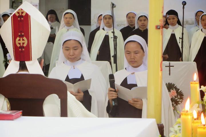 Video Thánh Lễ Hồng Ân Vĩnh Khấn - Đan Viện Cát Minh - Huế ( Dòng Đan Viện Cát Minh )