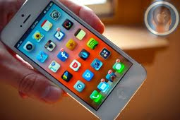 How to iPhone 5S Jailbreak and iPhone 4S Running iOS 7 or 7.0.2 Untethered