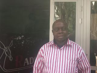 """Dolly Ibefu, directeur exécutif de l'ONG de défense des droits de l'homme """"La Voix des sans voix"""" Radio Okapi/Ph. Kelly Nkute."""
