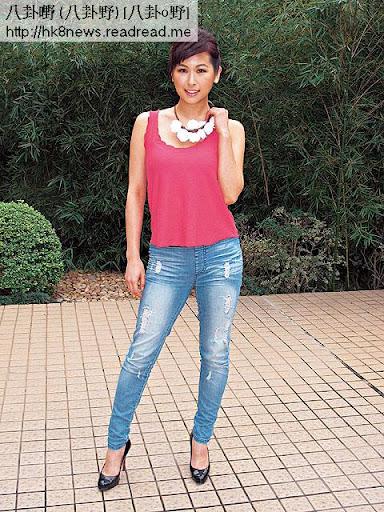 父親經營石油生意的趙希洛,母親是前藝員梁小玲,家住中半山豪宅,身家以億計。