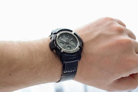 Саморобний ремінець для годинника на руці