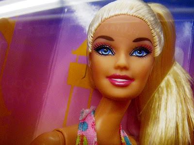 Barbie's neck