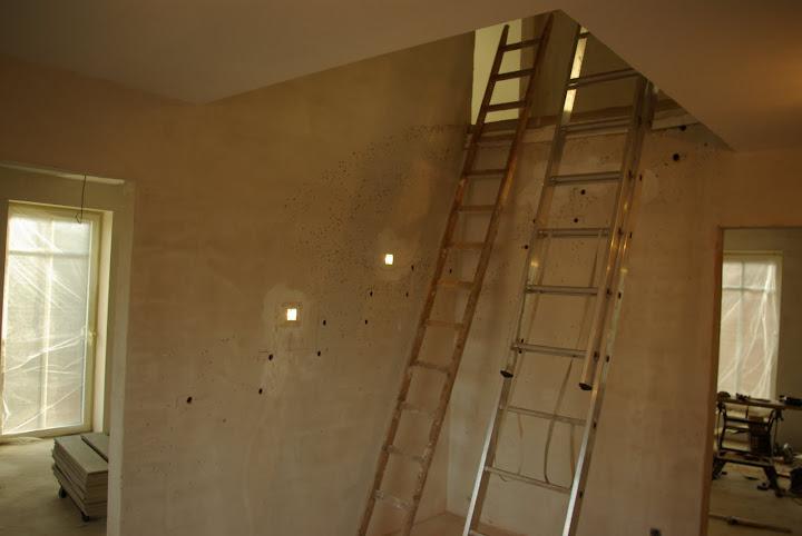 Hausbau in HH-Bramfeld: Die Treppenspots sind installiert ...