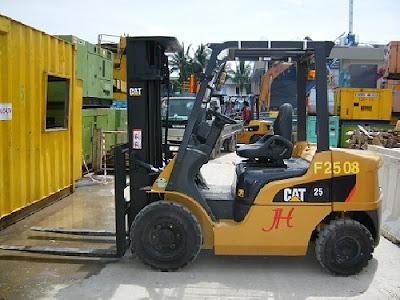 Xe nâng CAT FD25NT