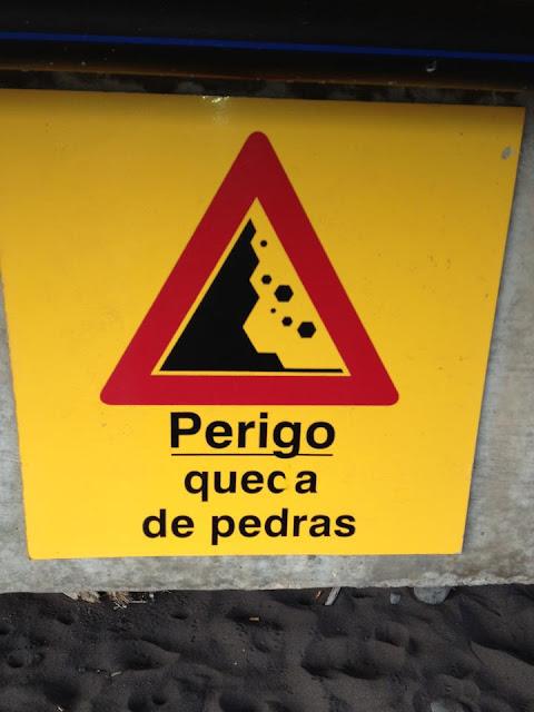 Avisos, sinais e anúncios muito importantes e... engraçados até!
