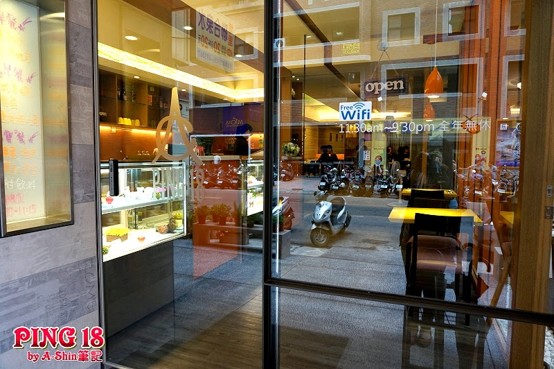 DSC06388 - 【熱血採訪】Ping 18 Bistro 新日法輕食| 異國料理推薦,有聽過Ping18嗎?跟我一起來大墩18街吃美食~(已歇業)