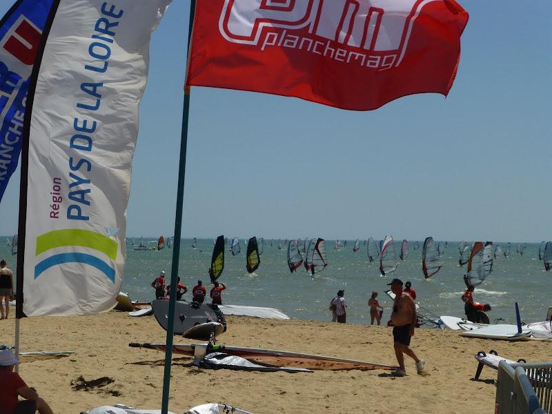 Les Samedis 6 et Dimanche 7 Juillet - 30ème Raid WindSurf LA TRANCHE / ILE DE RE - Page 2 P1010930