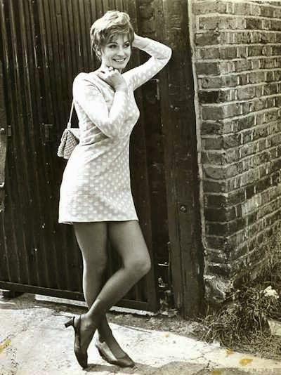 Suzy Kendall - Up The Junction.