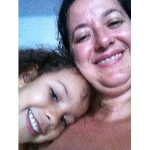Christina Almeida Photo 22