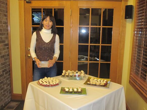 Cupcake party volunteer