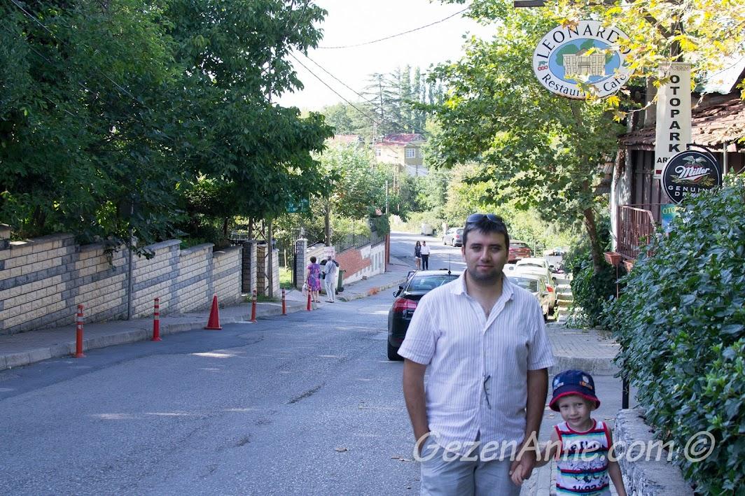 Polonezköy, meydandan tabiat parkına giden yolun başında