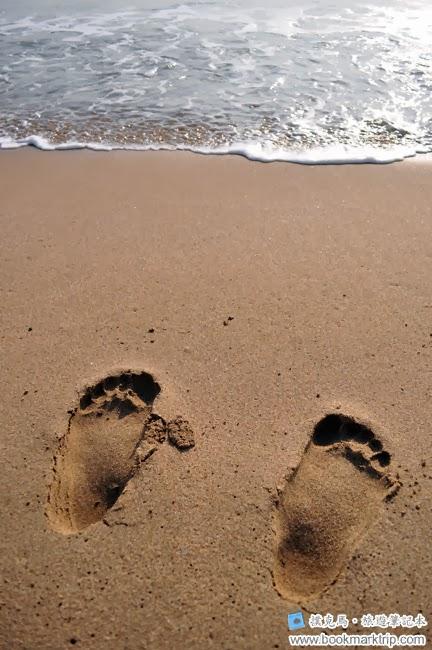 小灣沙灘足跡