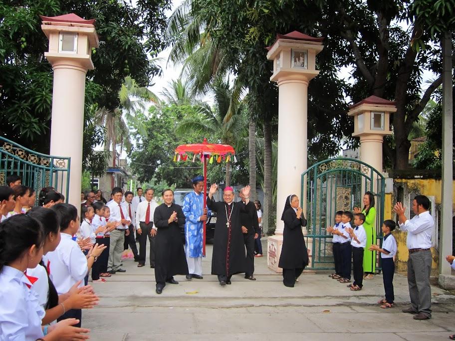 Thánh lễ ban Bí Tích Thêm Sức tại Giáo xứ Bắc Vĩnh