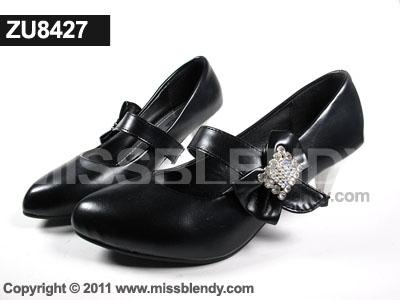 รองเท้าคัทชูสไตล์ แมรี่เจน