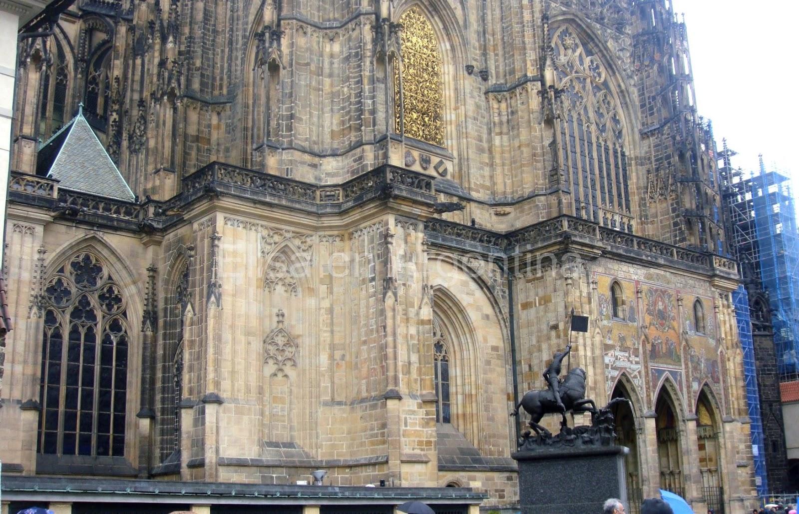 Zlatá Brána, Praga