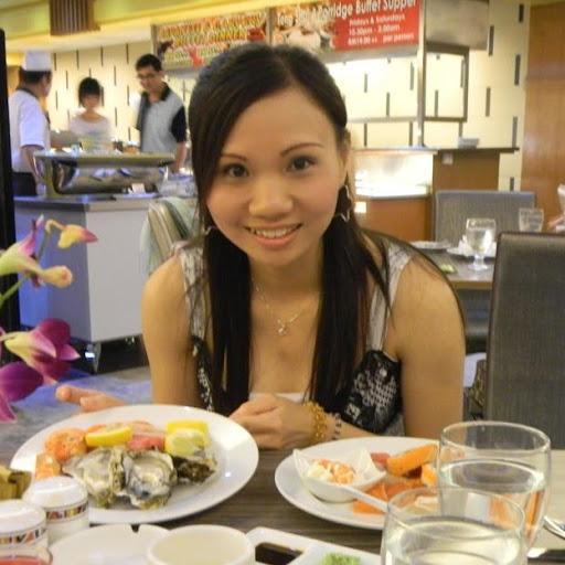 Celine Yap Photo 16
