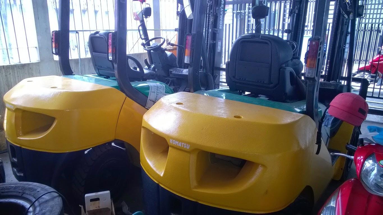 xe nang cu Komatsu