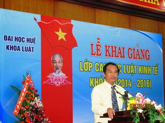 GS.TS Lê Văn Thuyết phát biểu tại lễ khai giảng