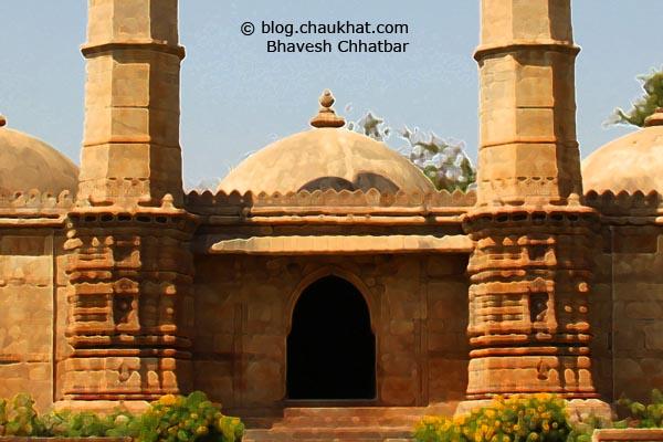 Shahar ki Masjid [Bohrani] at Champaner-Pavagadh Archaeological Park - Crop 2
