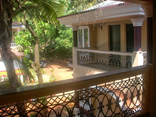 Elegant Shades, Xavier Guest House,H.No113 Ambeaxir, Sernabatim beach road,Colva, Pedda, Goa 403708, India