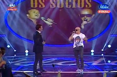 """""""Os Sócios"""" Tony Carreira e Pedro Abrunhosa em dueto nos Ídolos"""