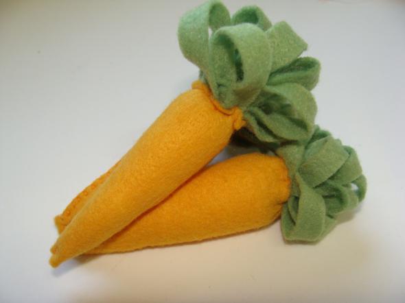 Cenoura de feltro