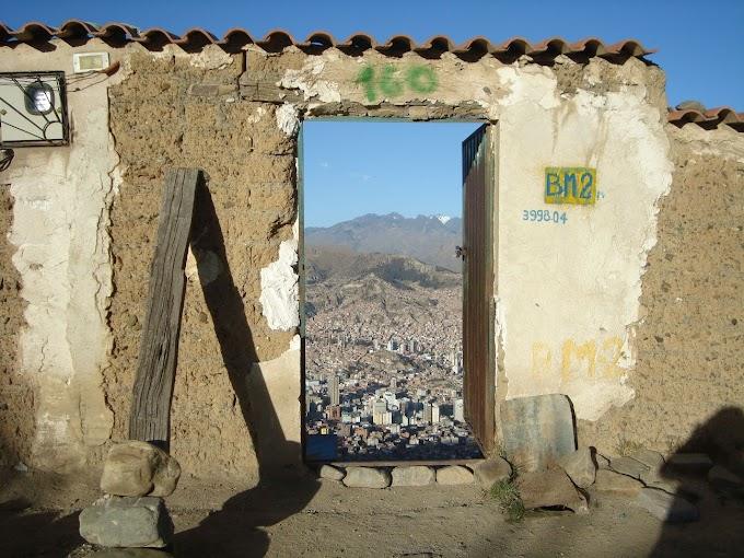 La puerta de entrada a La Paz, Bolivia