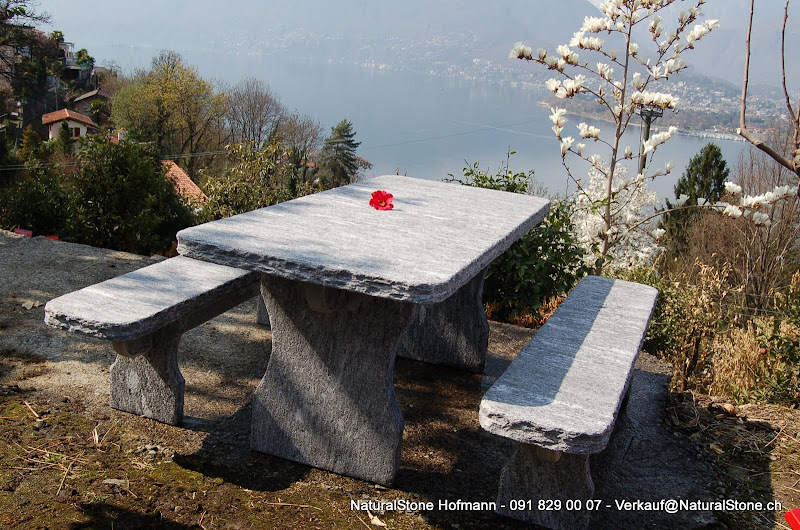 gartentisch aus tessiner gneis granittisch. Black Bedroom Furniture Sets. Home Design Ideas